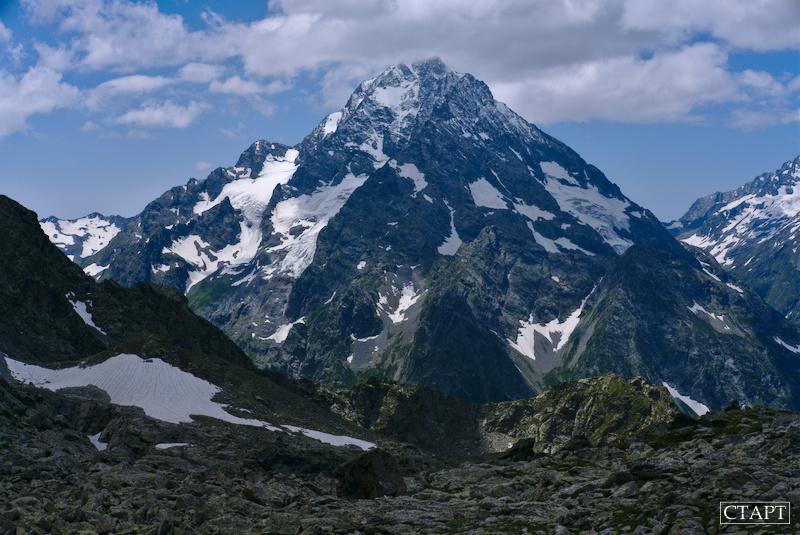 Гора Пшиш, Архыз. Вид с пер. Кара-Джаш и озера Кратерного