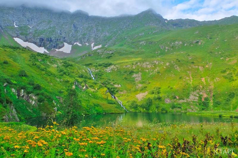 Озеро в форме сердца в Архызе как пройти