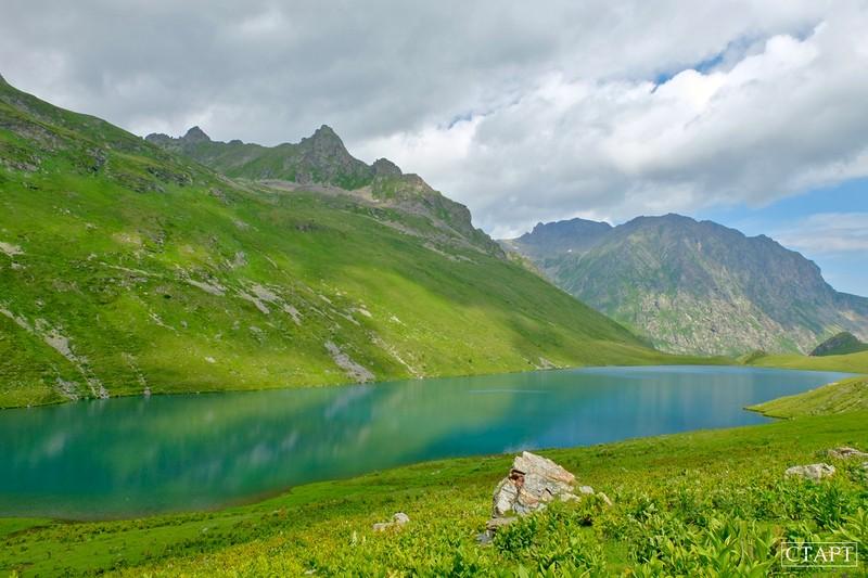 Озеро Кяфар в Архызе фото