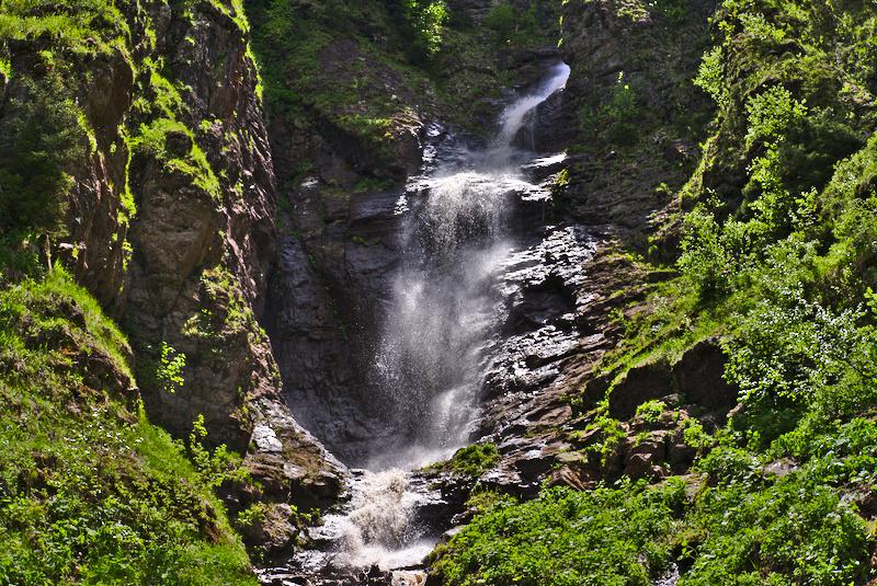 Казачий водопад в Архызе фото