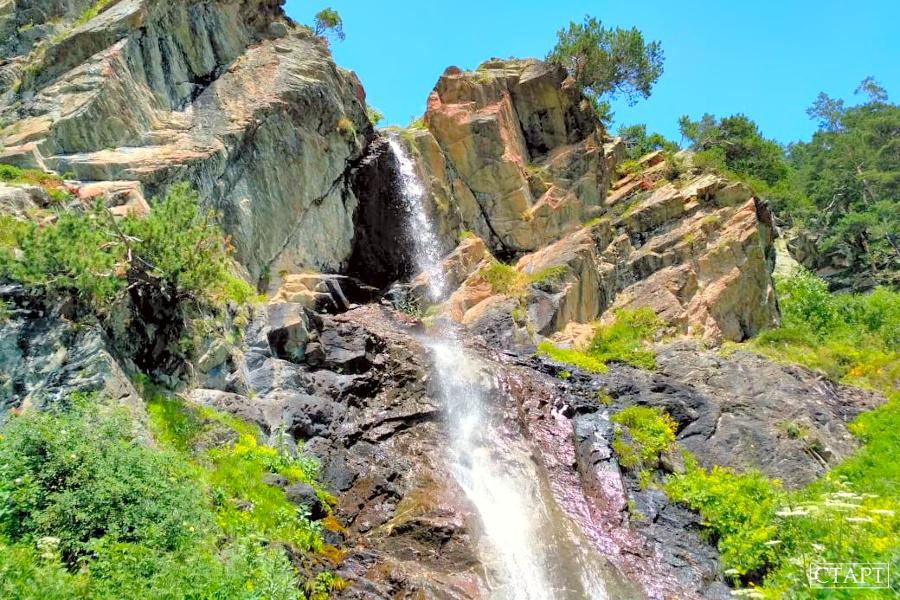 Баритовый водопад в Архызе фото