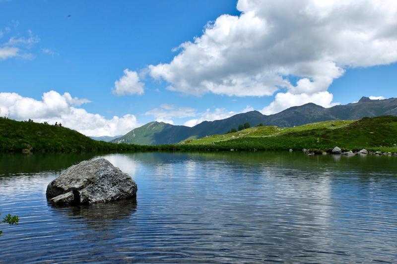 Картинка горное озеро