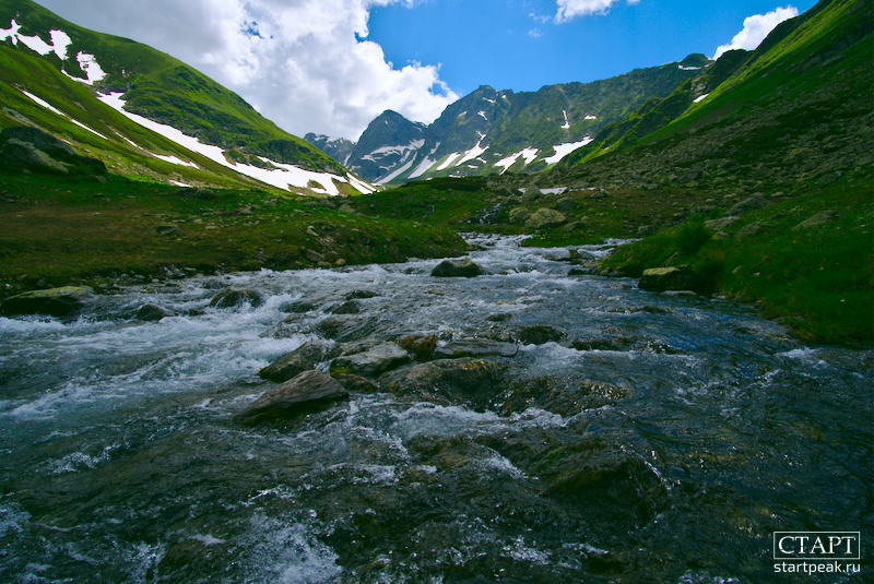 Река большая Дукка и Семицветное озеро
