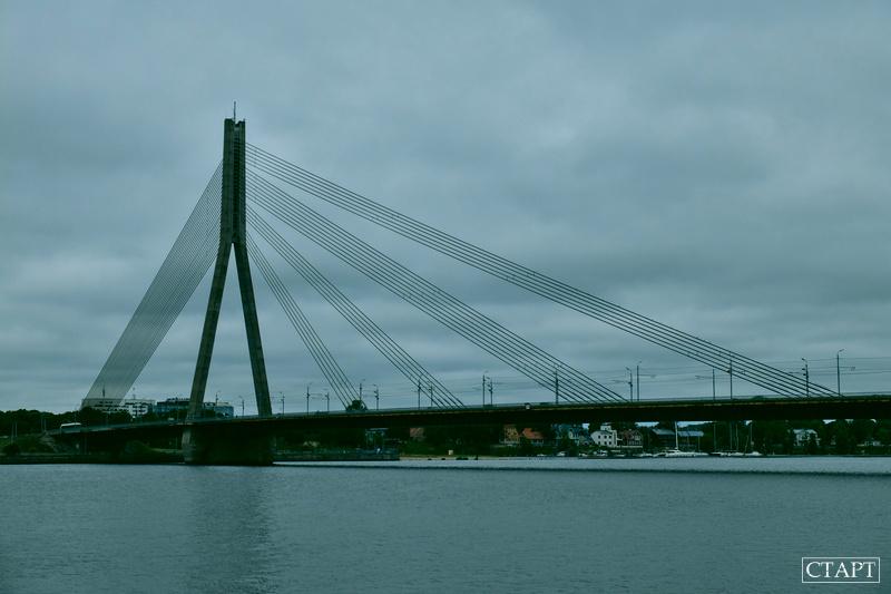 Мост через реку в Риге