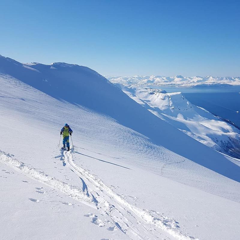 Панорама Эльбруса с восхождения