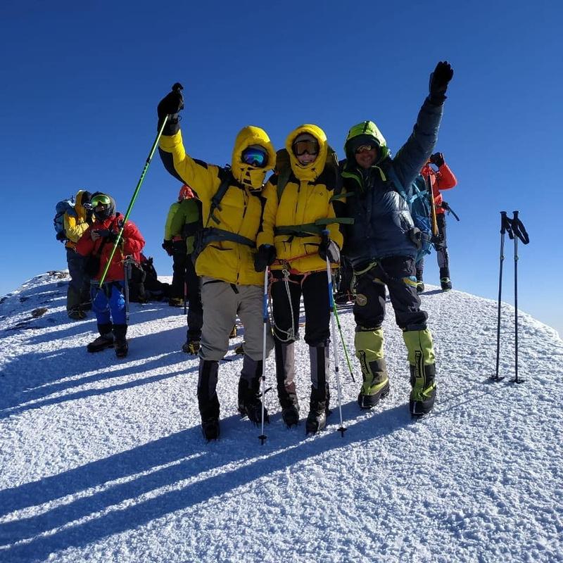 Группа на вершине Эльбруса