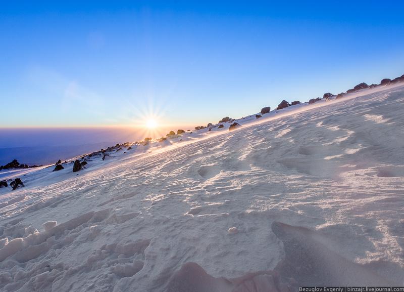 Восхождение на Эльбрус с гидом за 39000 руб