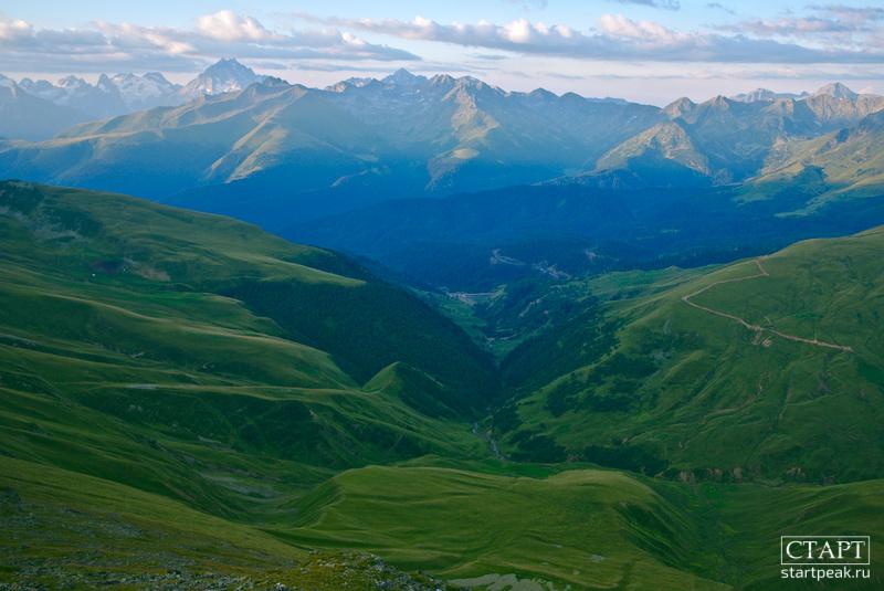 Походы с палатками на горные озёра в Архызе
