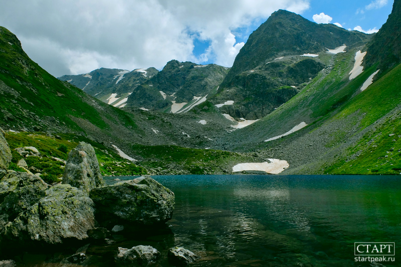 Что посмотреть в Архызе летом. Озеро Семицветное