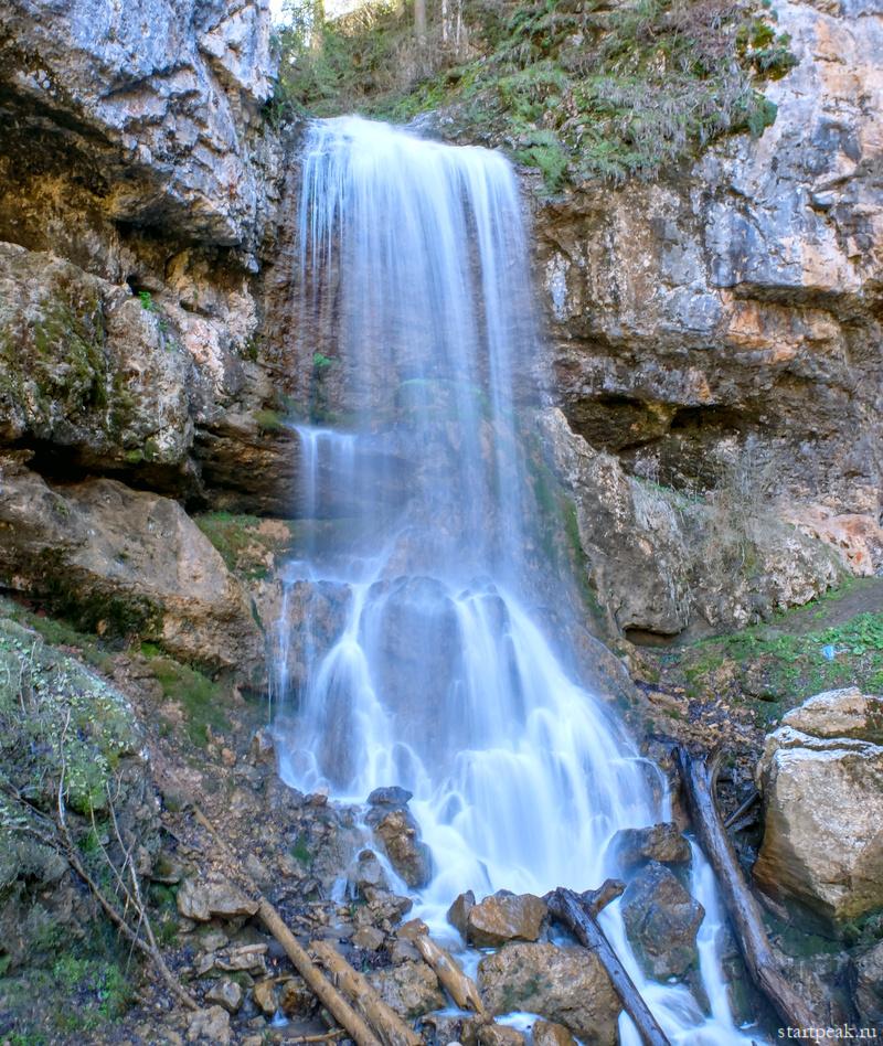 Университетский водопад в Мезмае фото