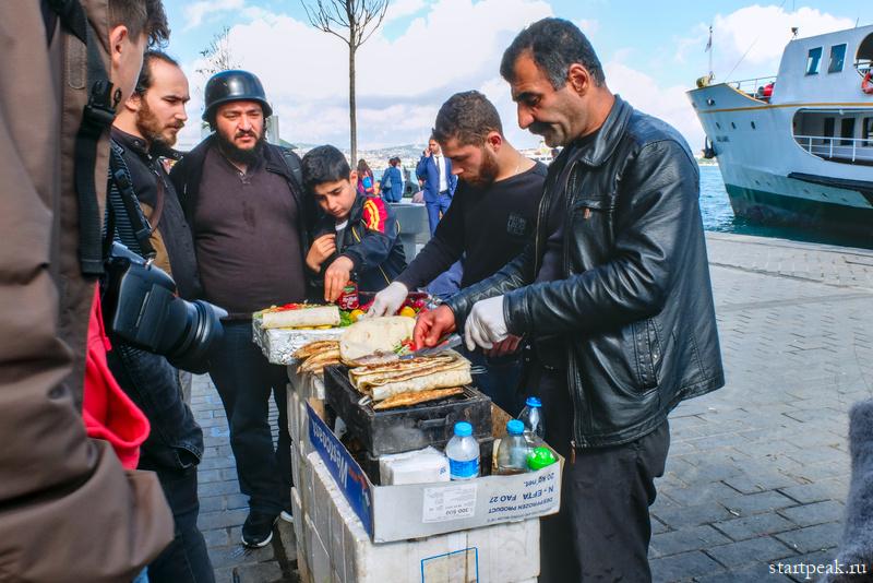 Приготовление шаурмы в Стамбуле