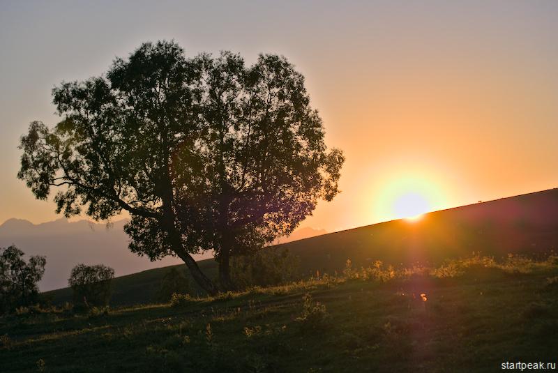 Рассвет и закат на перевале Пхия в Архызе