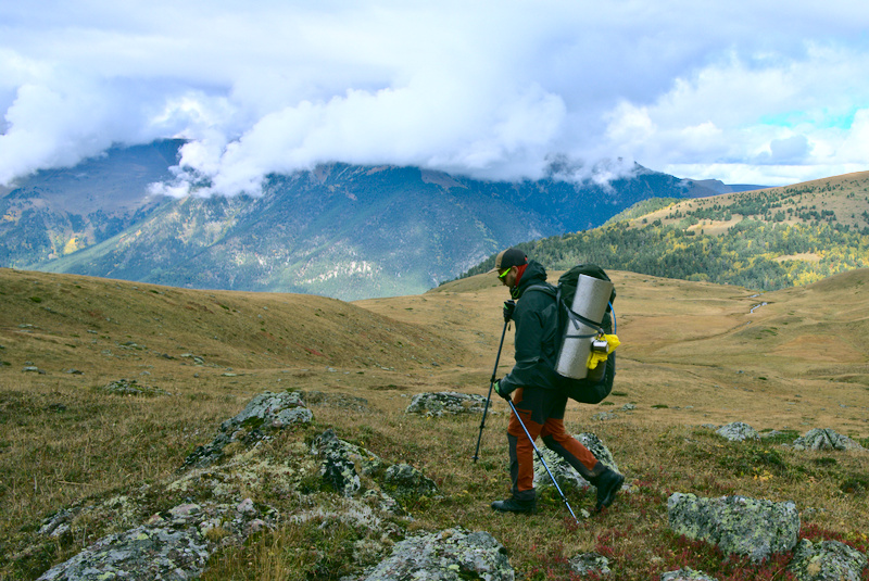 Что взять в поход в горы и сколько весит походный рюкзак